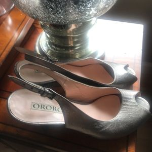Ororo dress silver shoes